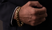 The-Classic-Gold-Bracelet-Feature-1